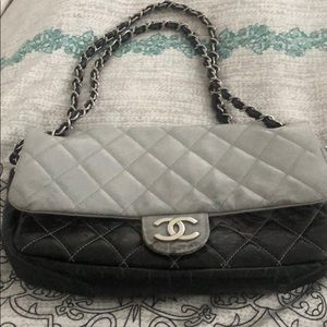 11X7. Gray and Black shoulder Chanel purse